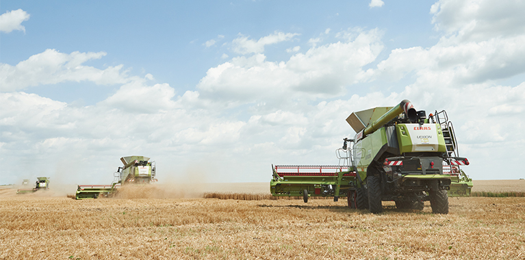 26 new CLAAS harvesters work on Continental fields